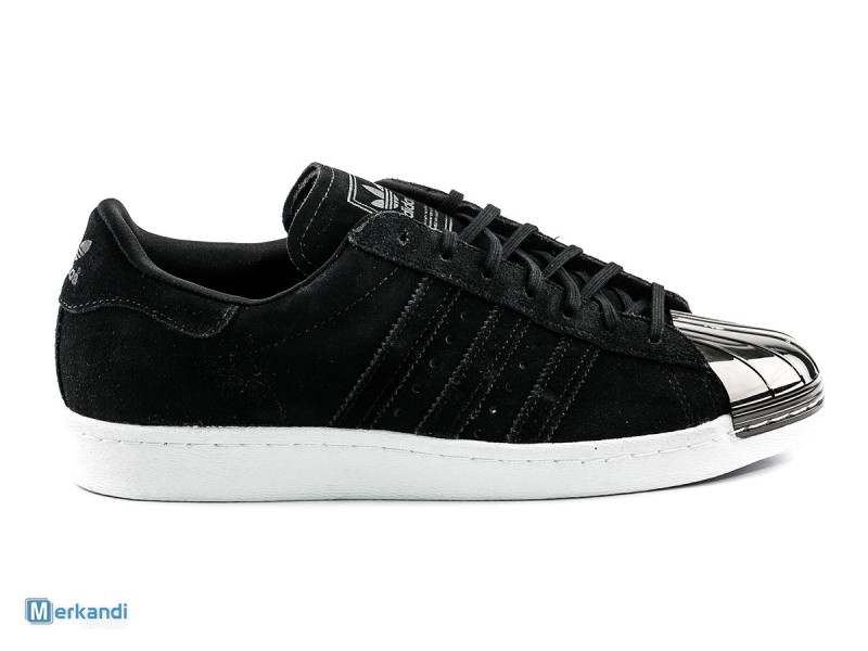 Lot de baskets Adidas Superstar 80S Metal Toe - S75056